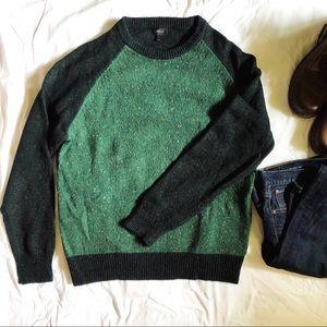 J crew : 100% wool green sweater
